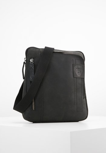 RICHMOND - Across body bag - black