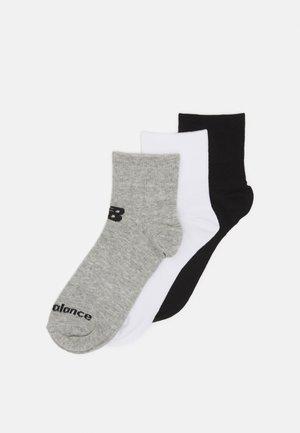 QUARTER FLAT 3 PACK UNISEX - Sports socks - black/grey