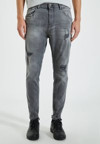 PULL&BEAR - Zúžené džíny - grey - 0