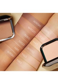 KIKO Milano - WEIGHTLESS PERFECTION WET AND DRY POWDER FOUNDATION - Foundation - 160 neutral - 2