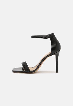 AFENDAVEN - Sandaler med høye hæler - black