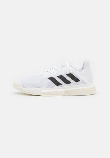 SOLEMATCH BOUNCE - Multicourt tennis shoes - footwear white/core black/solar red