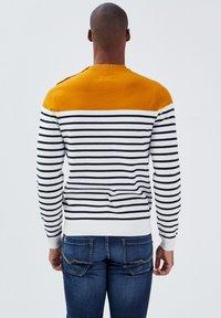 BONOBO Jeans - Jumper - ecru - 2