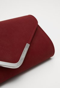 Tamaris - AMALIA - Clutch - wine - 3
