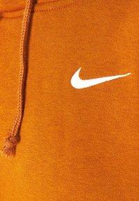 Nike Sportswear - HOODIE TREND - Hoodie - tawny/white - 2