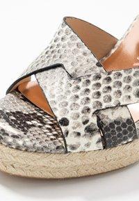 Ted Baker - SELANAE - Højhælede sandaletter / Højhælede sandaler - natural - 2