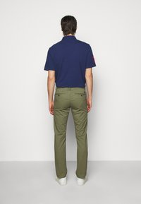 Polo Ralph Lauren - BEDFORD PANT - Chinos - army olive - 2