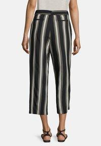 Betty & Co - MIT STREIFEN - Trousers - khaki/schwarz - 2