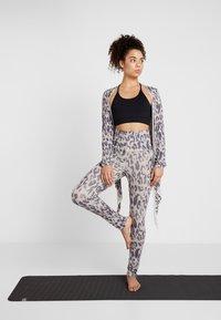 Curare Yogawear - LEGGINGS - Tights - sand - 1