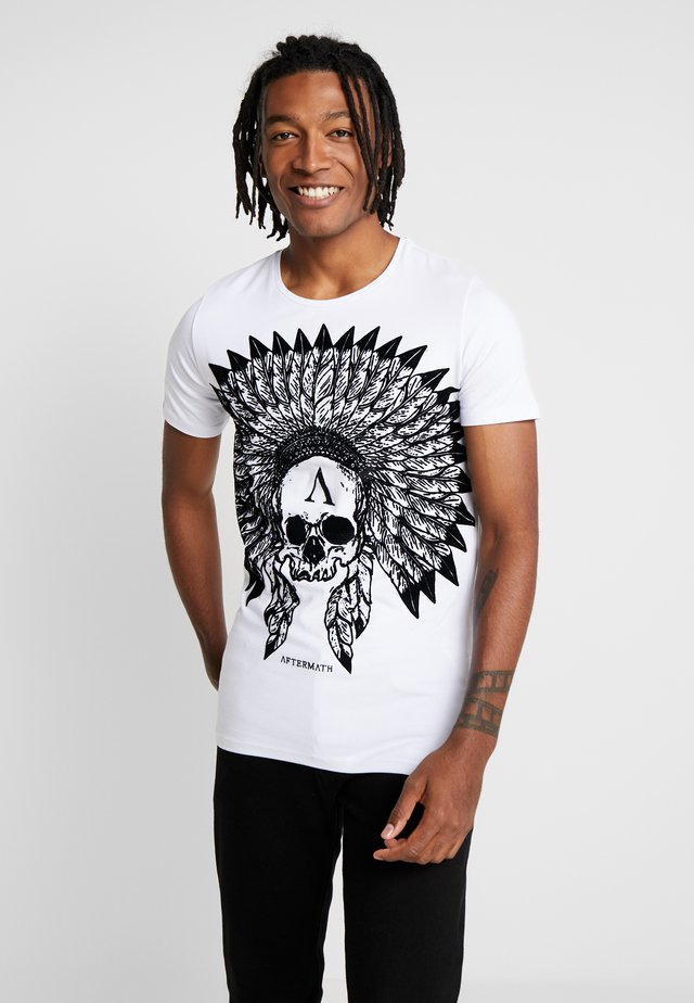 WITH SKULL PRINT - T-shirt con stampa - white