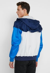 Nike Sportswear - Summer jacket - summit white/midnight navy/battle blue - 2