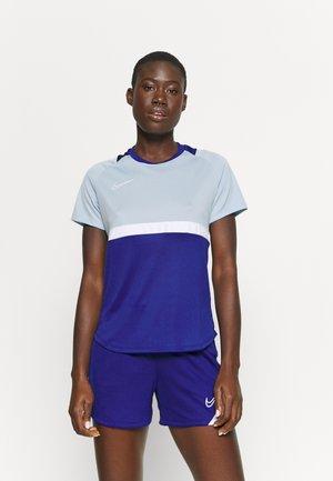 DRY - Print T-shirt - deep royal blue/light armory blue/white