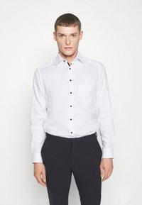 OLYMP Luxor - LUXOR MODERN FIT NEW KENT - Skjorte - weiss - 0
