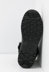 UGG - TAHOE - Bottes de neige - black - 6