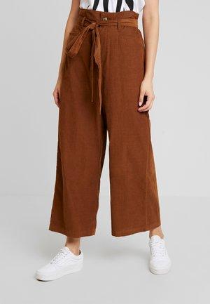 OTT TIE WIDE LEG PANT - Bukse - brown