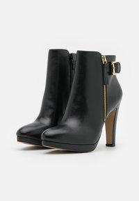 San Marina - VASKEN - Kotníkové boty na platformě - noir - 2