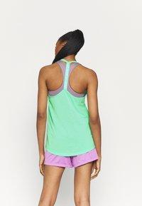 Nike Performance - DRY ELASTIKA TANK - Camiseta de deporte - green glow/heather/white - 2