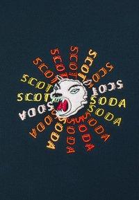 Scotch & Soda - CREWNECK  WITH ARTWORK IN MIXED TECHNIQUES - Sweatshirt - arctic teal - 2