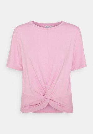 TAMALA KNOT  - Triko spotiskem - pink sachet