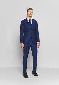 Tommy Hilfiger Tailored - PIECE WOOL BLEND SLIM SUIT - Garnitur - blue - 0