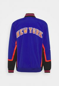 Mitchell & Ness - NBA NEW YORK KNICKS AUTHENTIC WARM UP JACKET - Club wear - royal - 1