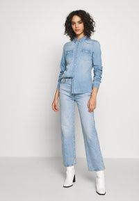 Vero Moda - VMMARIA SLIM  - Button-down blouse - light blue denim/birch - 1