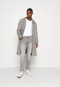 INDICODE JEANS - PITTSBURG - Slim fit jeans - light grey - 1