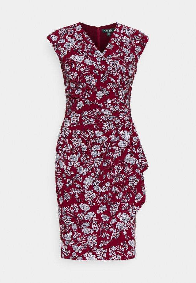 PRINTED MATTE DRESS - Vestito estivo - vibrant garnet
