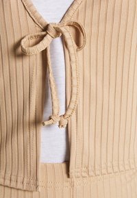 Topshop - FLARE AND TIE FRONT SET - Cardigan - sand - 6