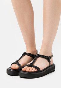 Stuart Weitzman - CALYPSO LIFT - Sandály na platformě - black - 0