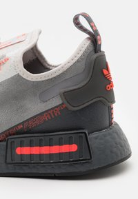 adidas Originals - NMD_R1 SPEEDLINES UNISEX - Trainers - grey one/grey three/grey five - 5