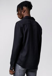 Tigha - SENYO - Shirt - black - 2