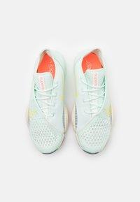 Nike Performance - AIR ZOOM SUPERREP 2 - Zapatillas de entrenamiento - barely green/light zitron/bright mango/pale ivory/hasta - 3