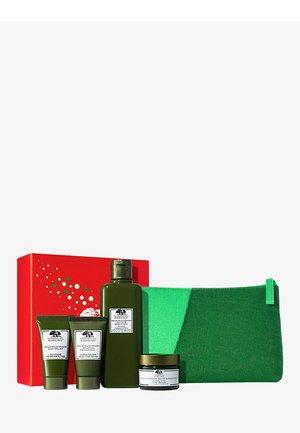 MEGA MUSHROOM SET 1 - Skincare set - -