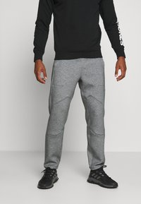 LNDR - TECH PREME TRACKPANT - Tracksuit bottoms - grey marl - 0