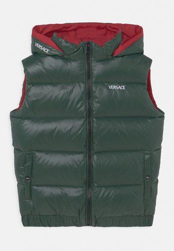 OUTERWEAR - Vesta - verde militare/rosso/bianco