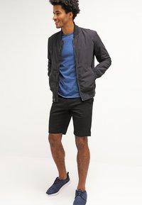 Volcom - FRCKN MDN STRCH SHT - Shorts - black - 1