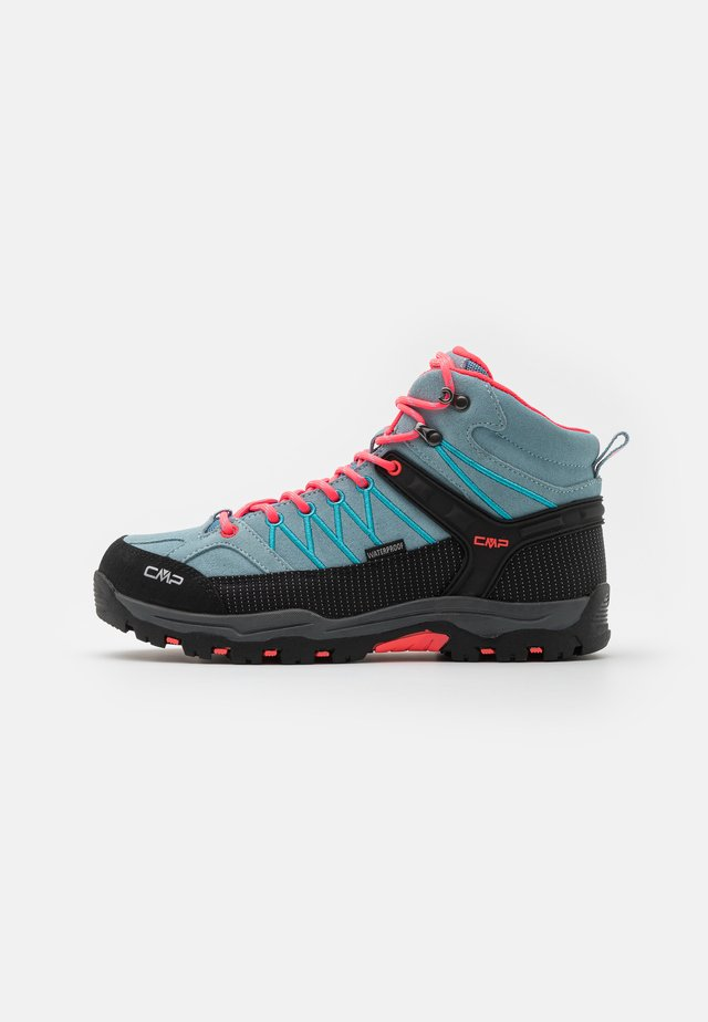 RIGEL MID SHOE WP UNISEX - Outdoorschoenen - clorophilla/red fluo