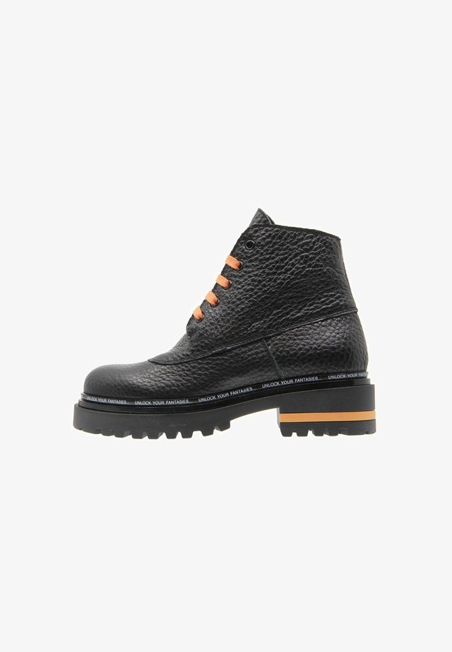 LIMITLESS - Veterboots - black