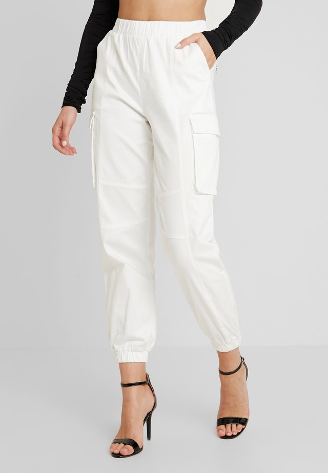 CHARIS PANT - Trousers - white