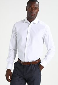Tommy Hilfiger Tailored - FITTED - Formal shirt - white - 0