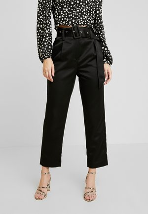 BELTED PEG TROUSER - Pantalon classique - black