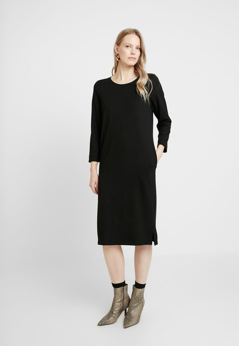 And Less - ALICEA DRESS - Jerseykjole - caviar