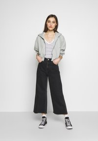 Neuw - PIXIE CROP - Flared Jeans - dusty black - 1