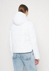 Tommy Jeans - SIDE SLIT JACKET - Light jacket - white - 2