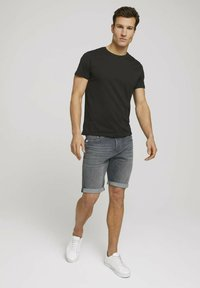 TOM TAILOR - Jeansshorts - clean mid stone grey denim - 1