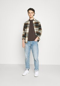 Burton Menswear London - 5 PACK - T-shirt - bas - khaki - 0