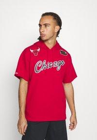 Mitchell & Ness - NBA CHICAGO BULLS GAMEDAY HOODY - Sweatshirt - red/scarlet - 0
