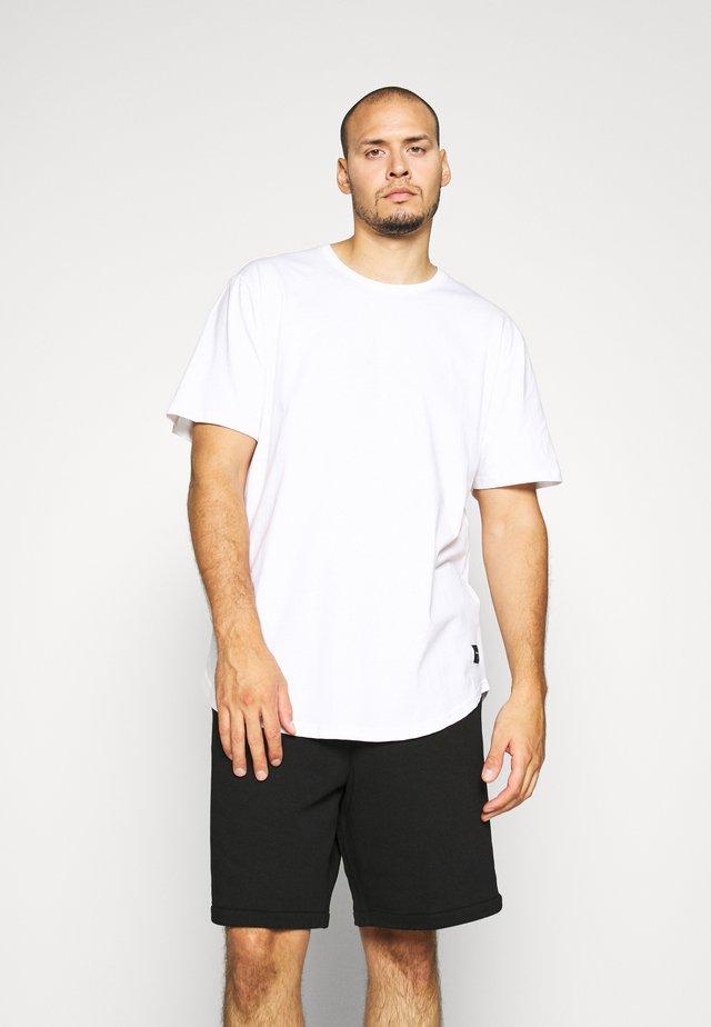 MATT 3 PACK - Basic T-shirt - white