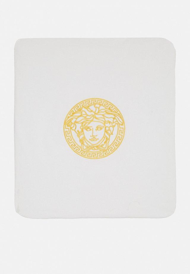 OUTDOOR BLANKET PLAIN  BAROQUE KIDS MEDUS - Dětská deka - white/gold